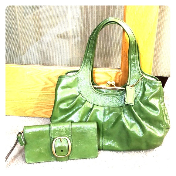 Coach Handbags - 💕 Coach bright green xl satchel and wallet bundle